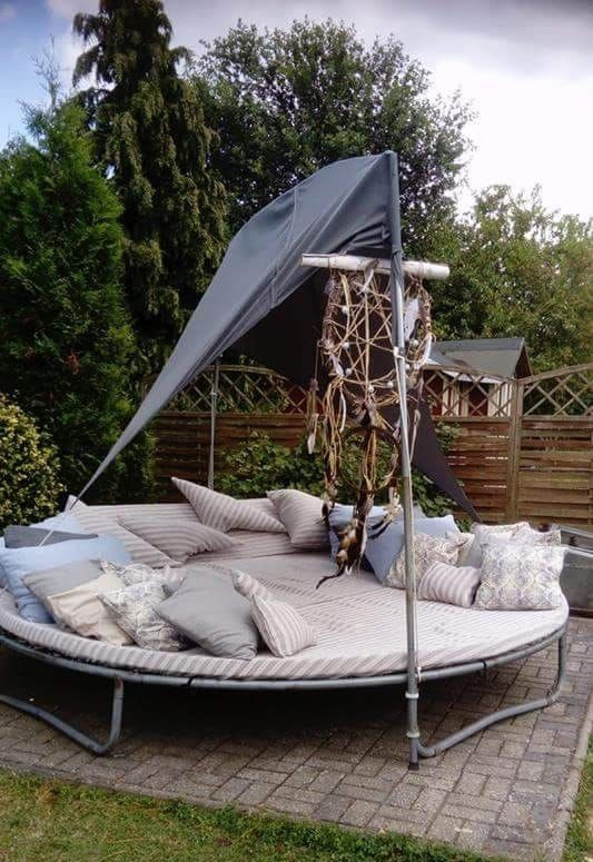 Old Trampolin Lounge Garten In 2019 Altes Trampolin Loungemobel