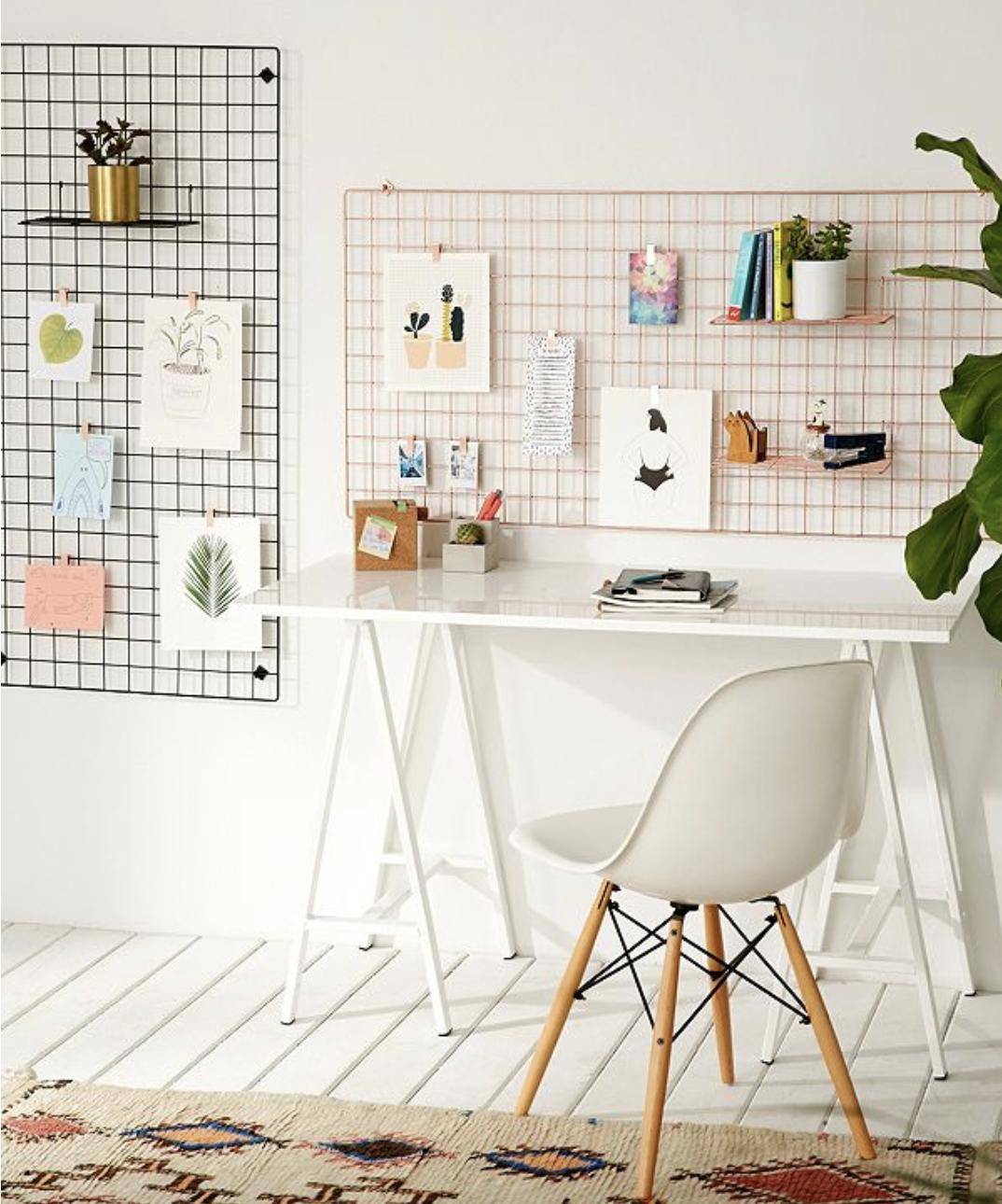 Room, Desks And Bedrooms
