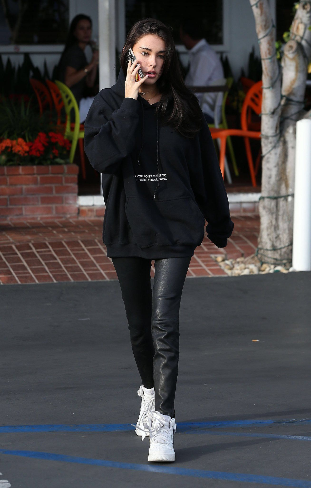 Madison Beer Candids On Twitter Celebrity Style Casual Womens Denim Shirt Everyday Outfits [ 2048 x 1308 Pixel ]
