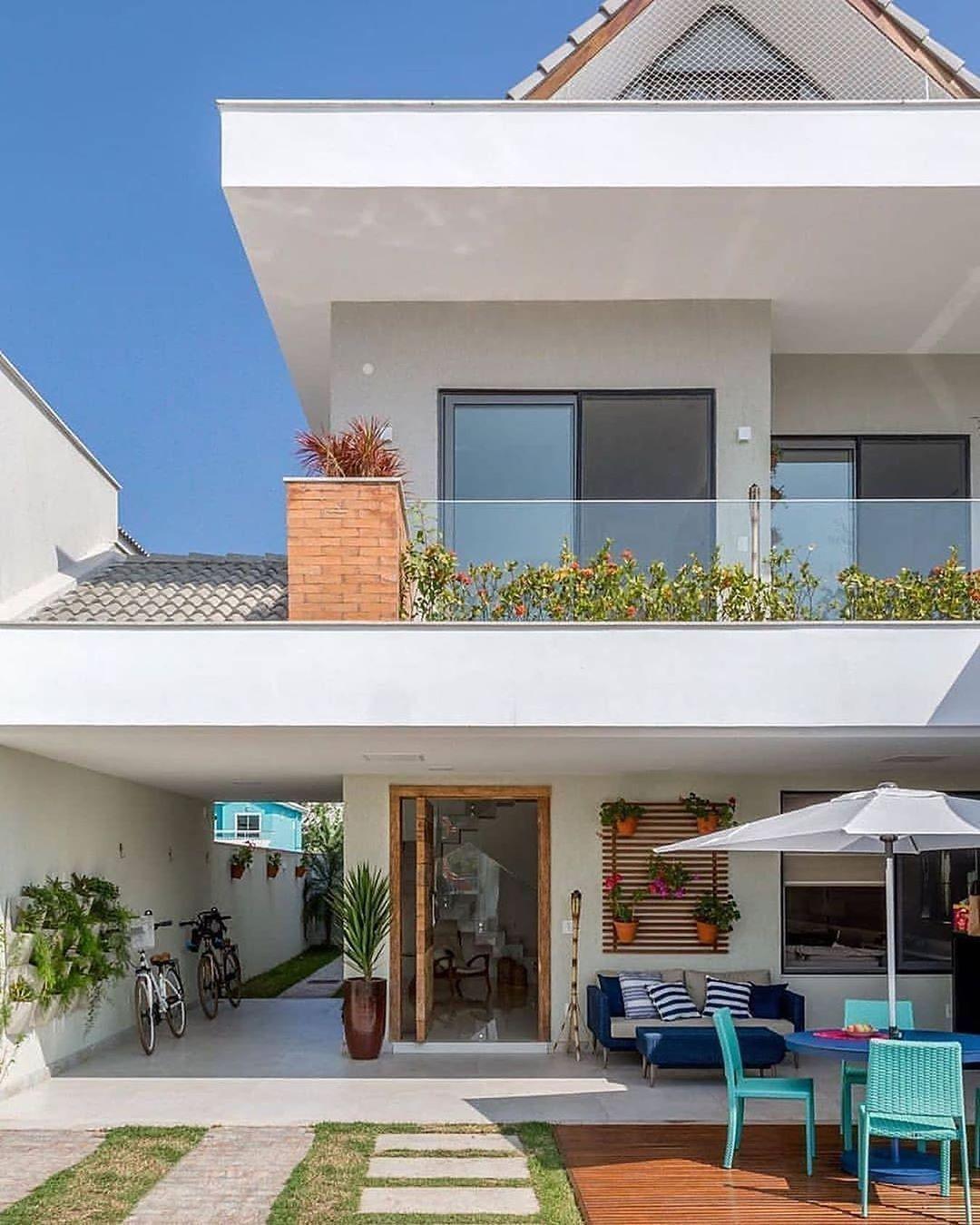 Super beautiful facade! Master Follow corina.home