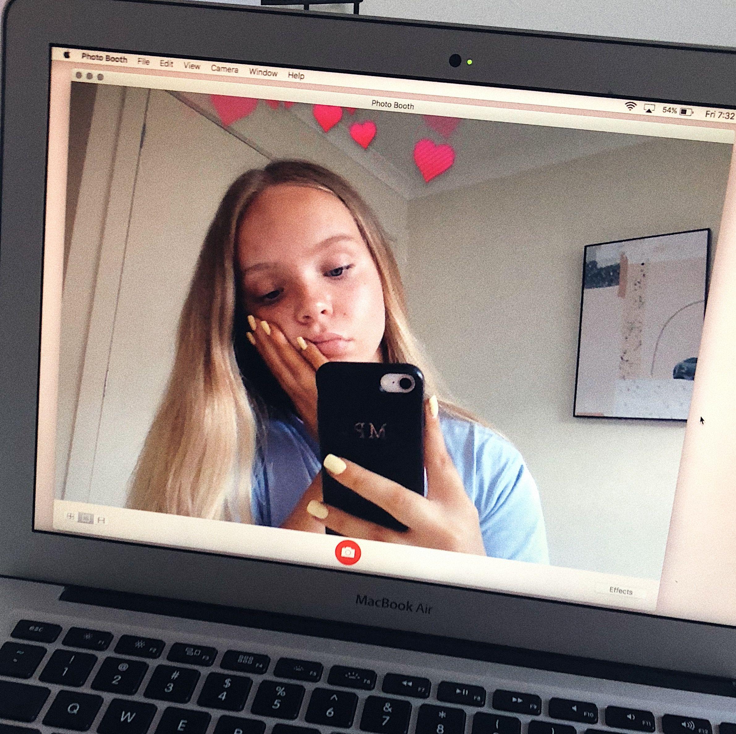 Pin By Zehra Ozdemir On Tumblr In 2020 Camera Selfie Macbook Macbook Wallpaper