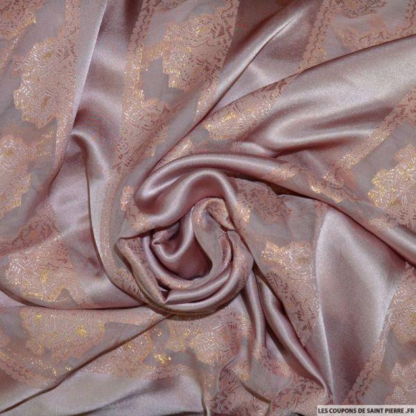 24bfb710c9 Tissu Jawhara Satin de Soie bois rose bandes de jacquard tissées dorées  ^pir un peignoir