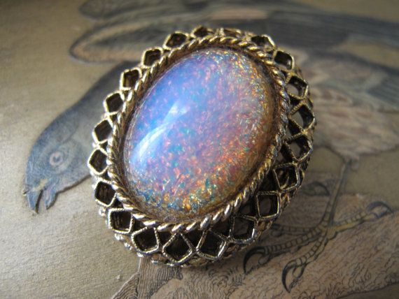 Hey, I found this really awesome Etsy listing at https://www.etsy.com/listing/273326424/dragons-breath-faux-cabochon-opal-collar