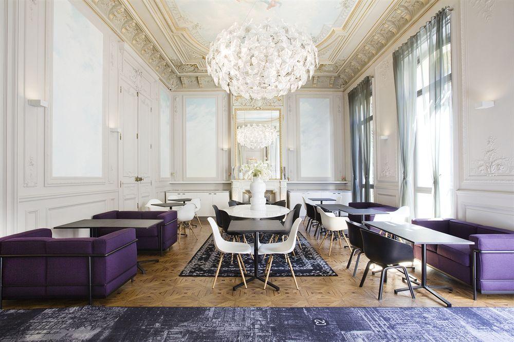 c2 hotel marseille france former 19th century family. Black Bedroom Furniture Sets. Home Design Ideas