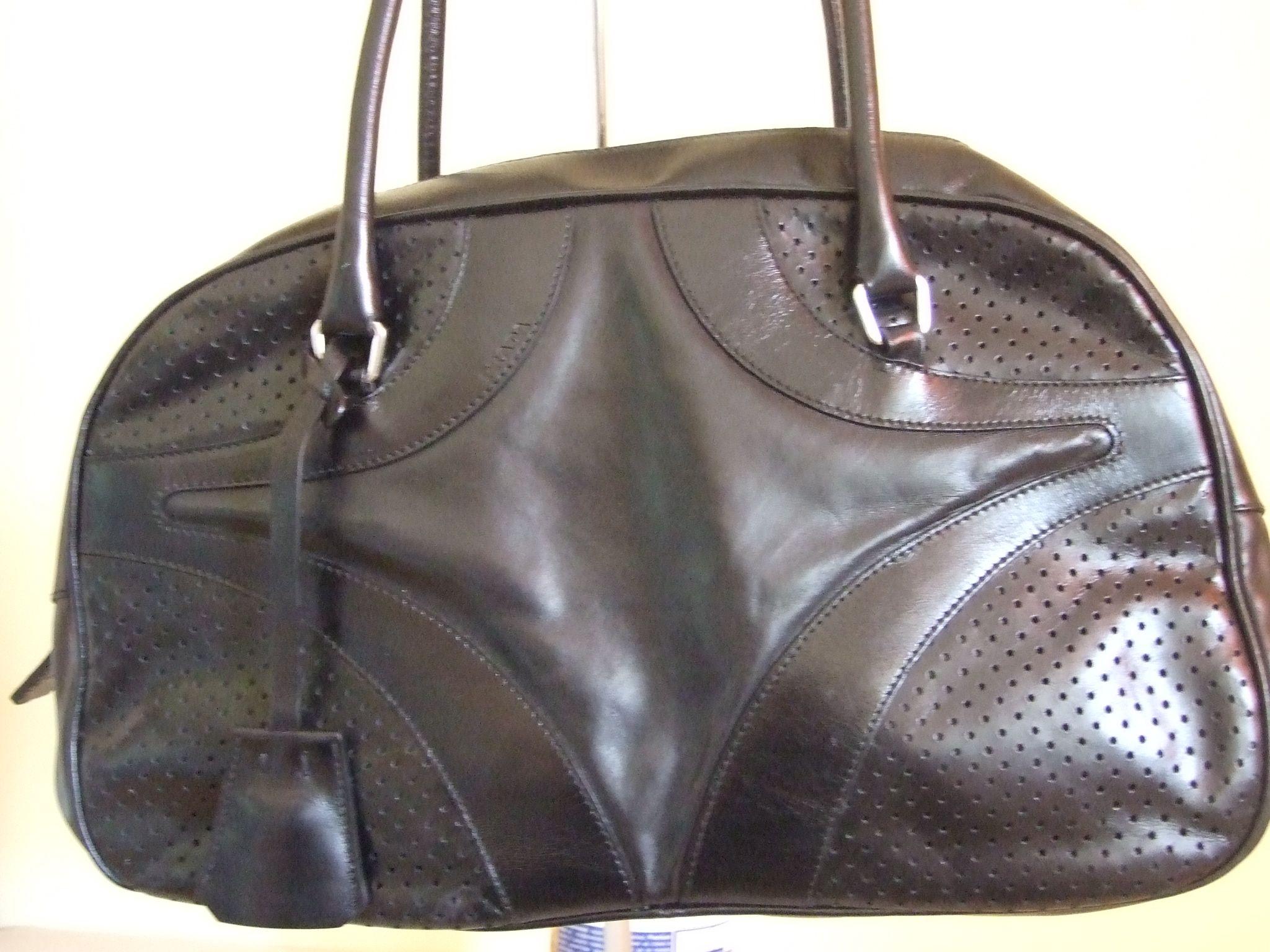 4ffe1737f2bd Authentic leather Prada black bag