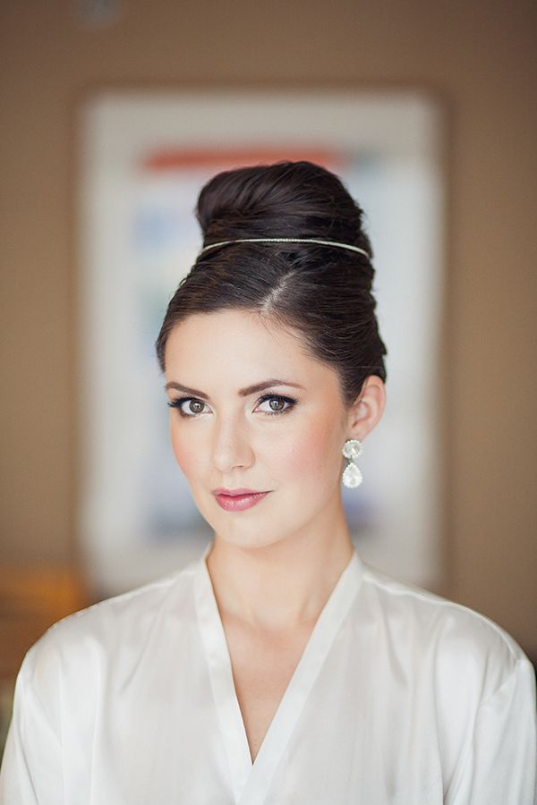 Bridal Beauty Inspiration – 15 Wedding Hairstyles and Updos from Real Junebug Brides