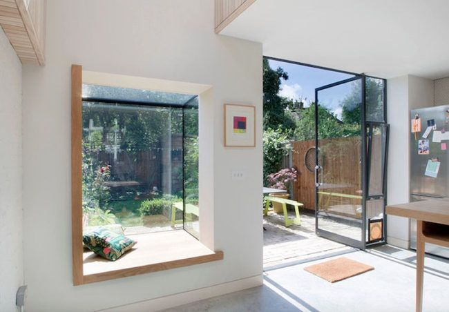 fensterbank zum sitzen modern fenstersitz haus holz erkerfenster haus pinterest fenster. Black Bedroom Furniture Sets. Home Design Ideas