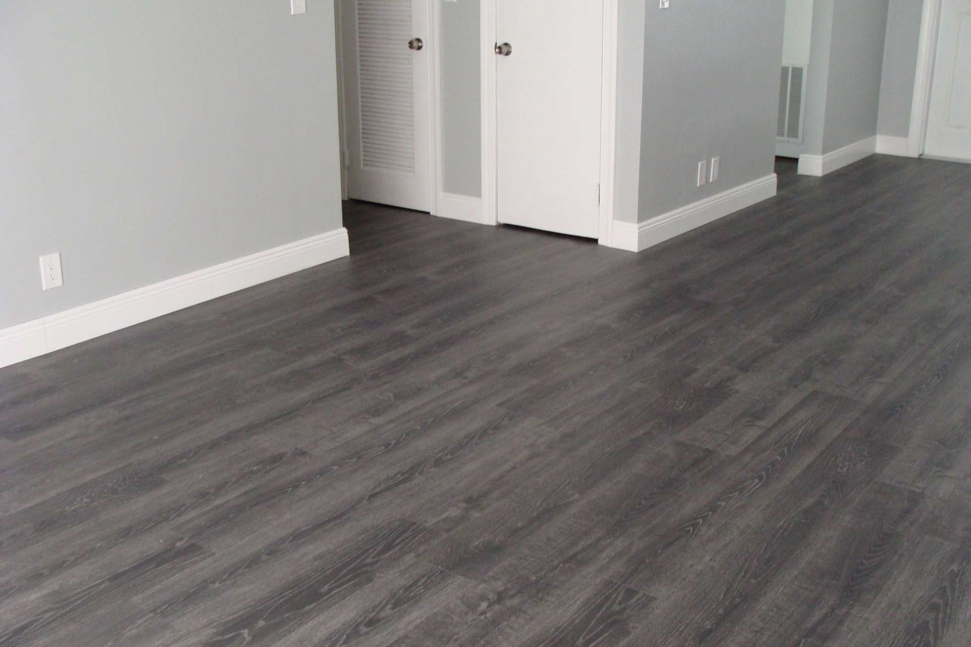 8 Awesome Dark Grey Hardwood Floors Photos Grey Wooden Floor Grey Hardwood Floors Grey Wood Floors Living Room