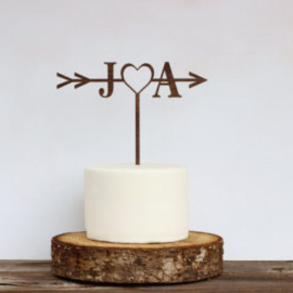 Alternatives To Wedding Cake Toppers, Beautiful Wedding Cake Toppers, Cute Wedding Cake Toppers, Personalized Wedding Cake Toppers, Unique Wedding Cake Topper Ideas, Unique Wedding Cake Toppers Bride And Groom, Unique Wedding Cake Toppers Uk, Unusual Wedding Cake Toppers #wedding cake #http://bridalscake.com