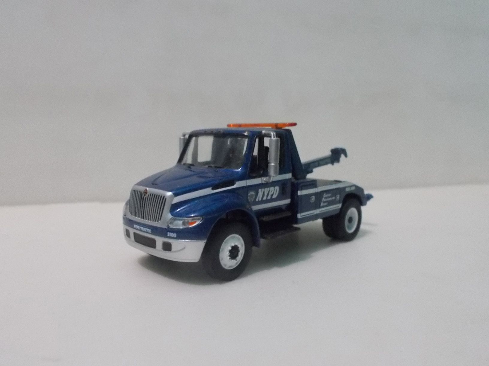 Greenlight International Durastar NYPD Tow Truck 1:64 Scale | My Car ...