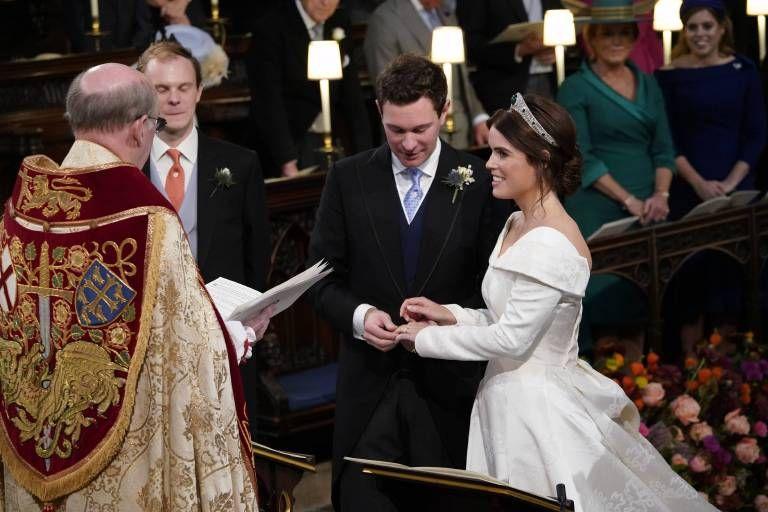 Die Hohepunkte Der Hochzeit Von Eugenie Und Jack Prinzessin Eugenie Royale Hochzeiten Konigliche Hochzeitskleider
