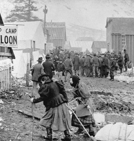 single women in klondike Women of the klondike by ken spotswood to read some of the canadian and american history books on the klondike gold rush, it's unfortunate that the role of women has been so neglected.