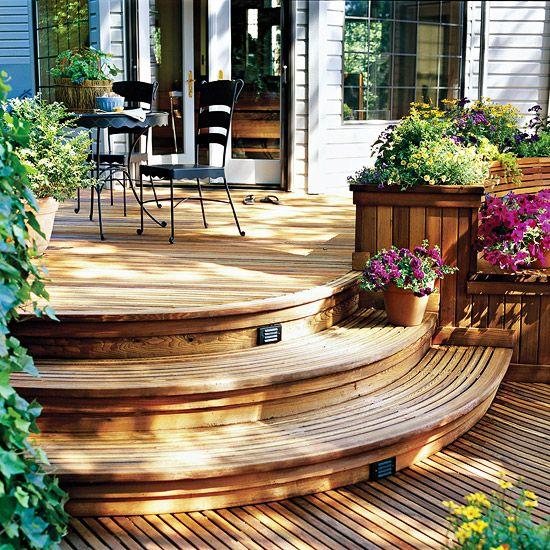beispiel f r mehrstufige holzterrasse runde treppen terrasse pinterest holzterrasse. Black Bedroom Furniture Sets. Home Design Ideas