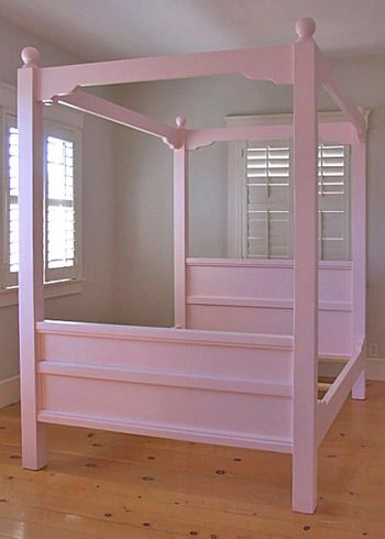 Canopy Bed In Pink   Against Pale Purple Walls? With White Curtains At The  Head Of The Bed?