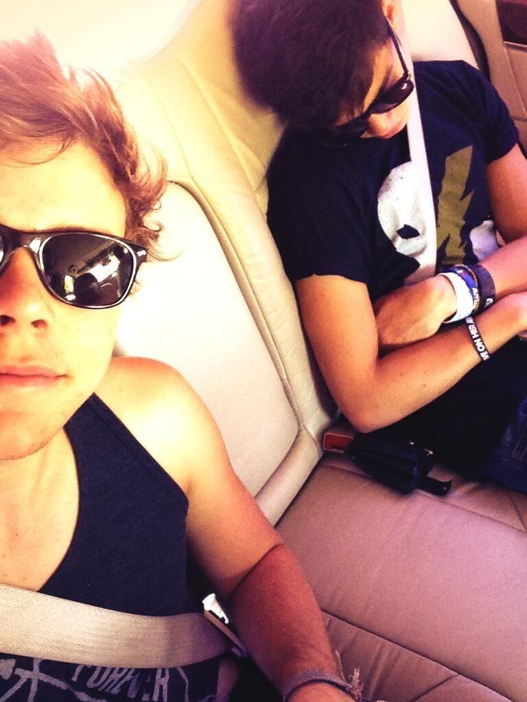 "Ashton tweeted ""He fell asleep in the car hahahaha :)"""