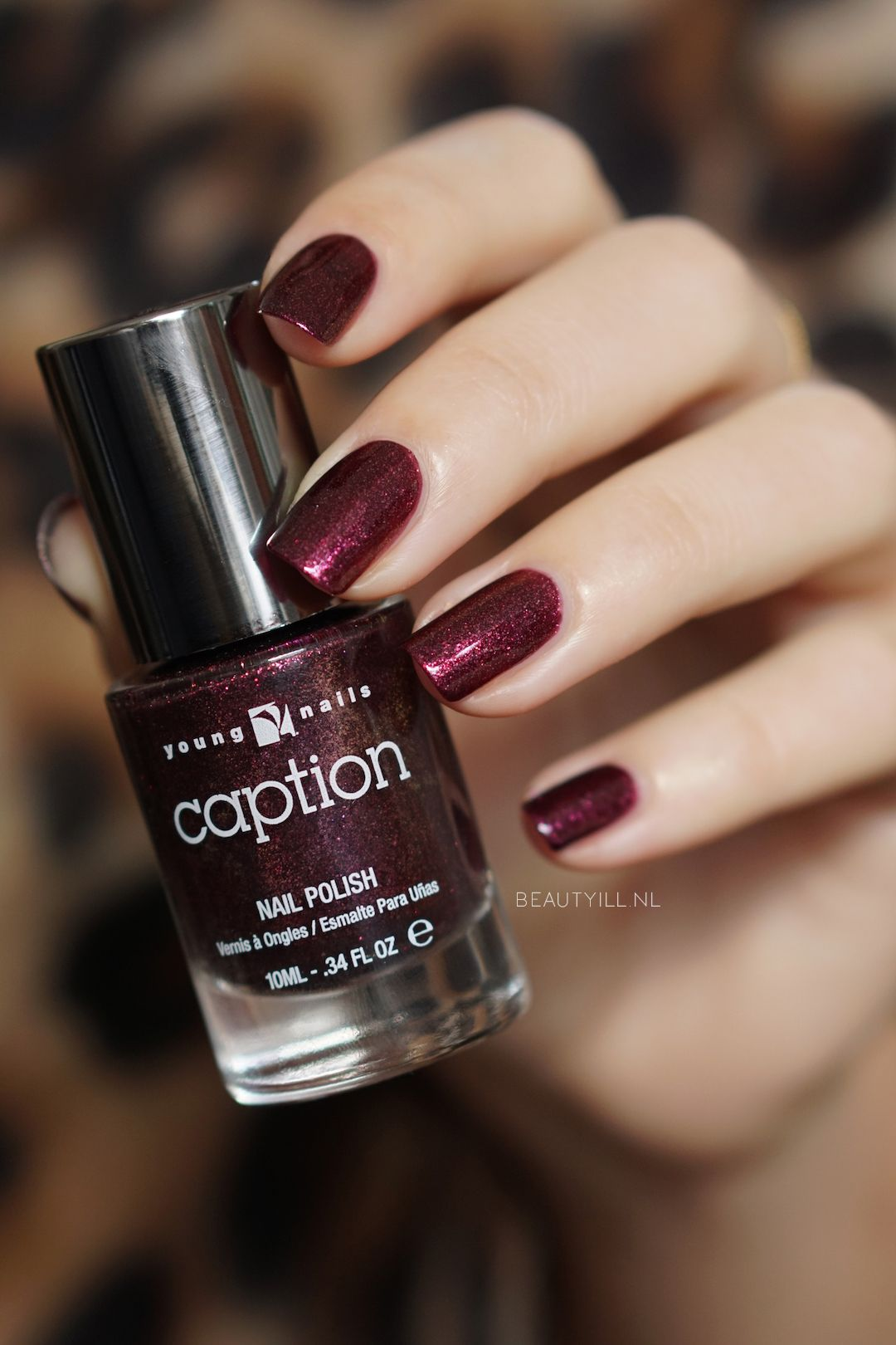 Caption Tinsel Time Collectie, Let's be Frank Caption Nail Polish, Young Nails, Nail