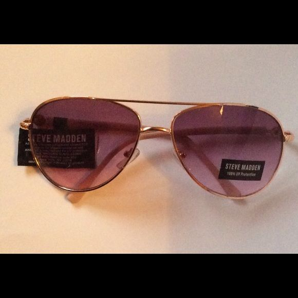 91f447d38e95a Steve Madden Sunglasses 100% UV Protection NWT Steve Madden Sunglasses 100%  UV Protection. Avatars Gold-Tone Metal Frame with Pink Arms. NWT No Trades  No ...
