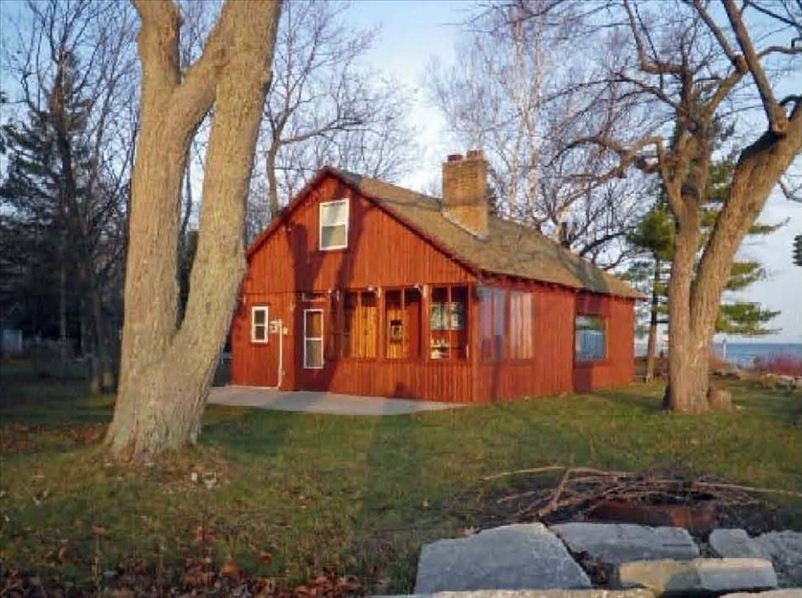 Cottage Vacation Rental In Sturgeon Bay Wi Usa From Vrbo Com Vacation Rental Travel Vrbo Door County Vacation Door County Waterfront Cabins