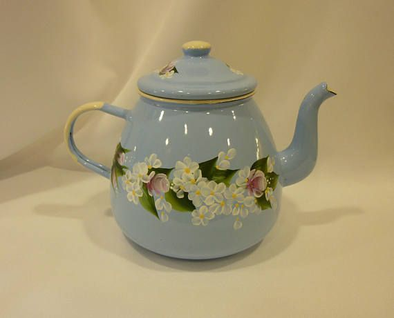 Hand Painted Vintage Baby Blue Teapot Tea Pot Enamel Enamelware Pink Roses White Daisies Theepot Lichtblauw Groen