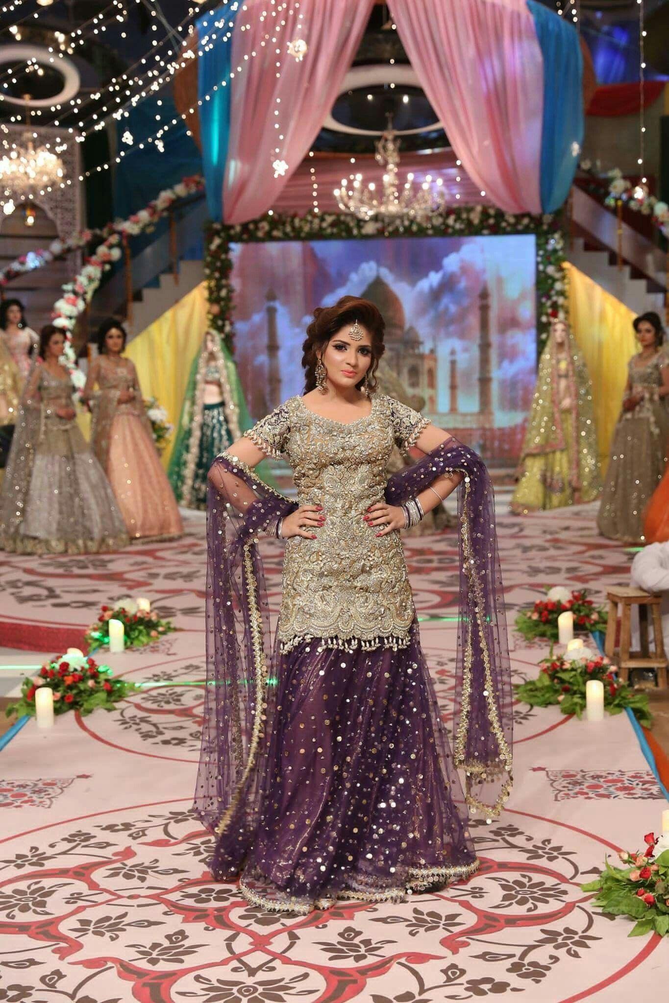 Pin von Zara Ansari auf Desi Dresses | Pinterest | Braut