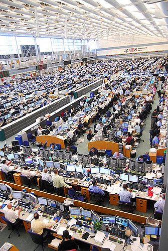 World S Largest Trading Floor Trading Desk Trading Courses Forex Trading