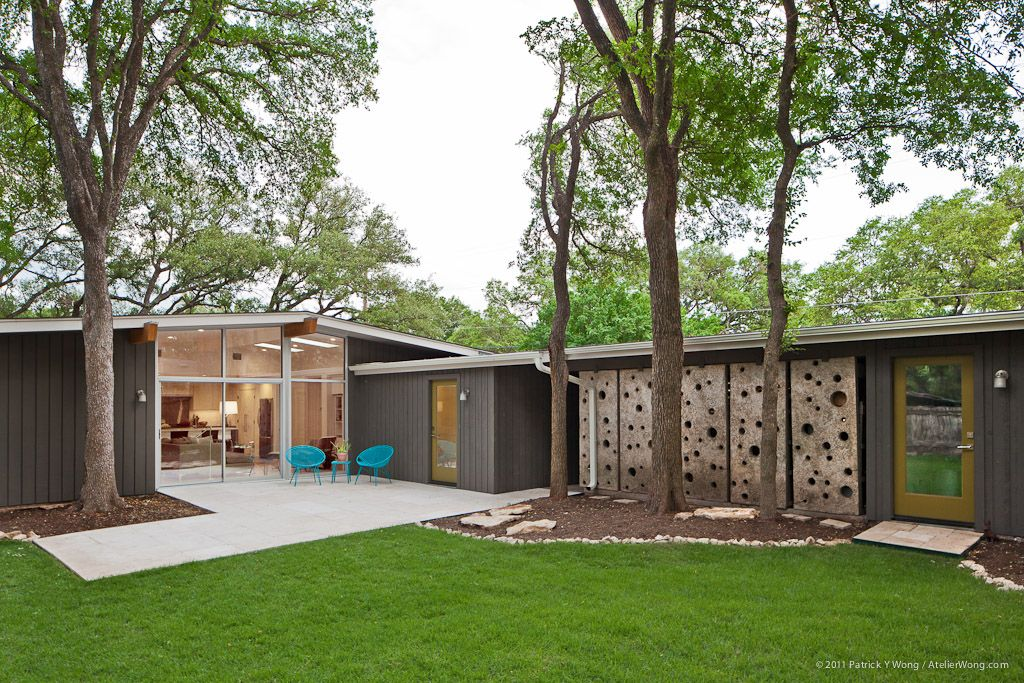 Mid Century Gem Revived In Austin Ranch House Designs Mid