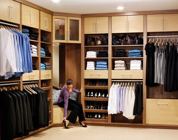 Organized Walk In Closet