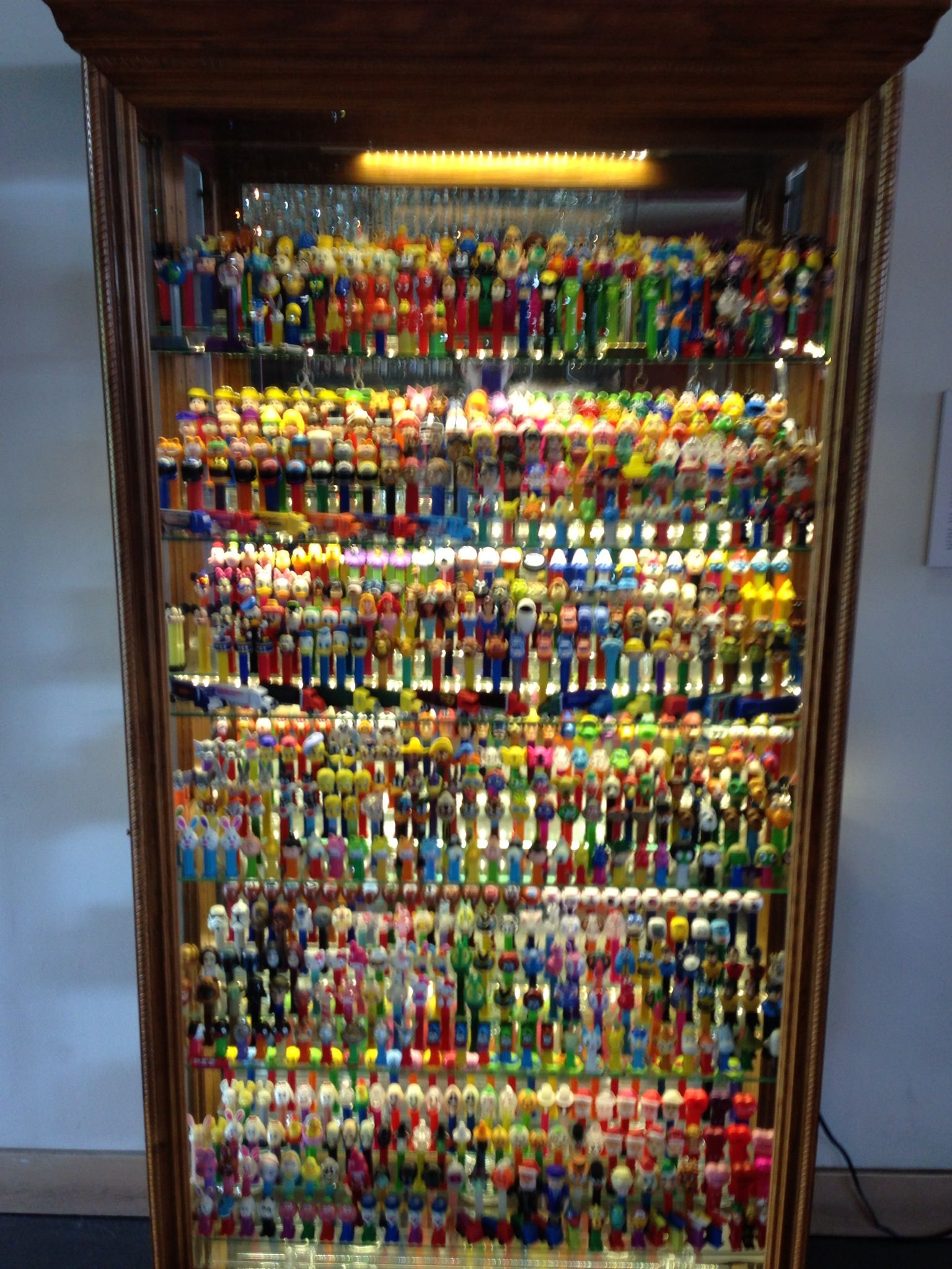 Worlds largest Pez dispenser collection. Baltimore's ...