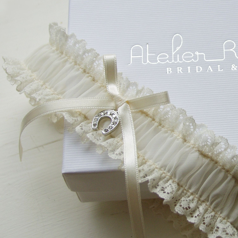 Tradition Of Wedding Garter: Lucky Horseshoe Lace Wedding Garter