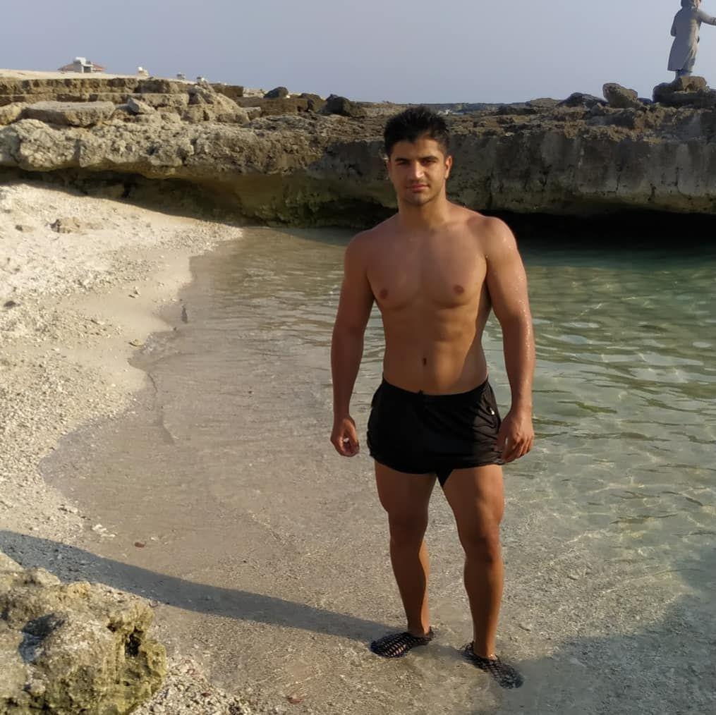 پروو قرنیه مشکی 🤘 قلدر چارشونه کشتی👑 . . . . . . . . . . #sea #beach #water #bronze #swimming #divin...