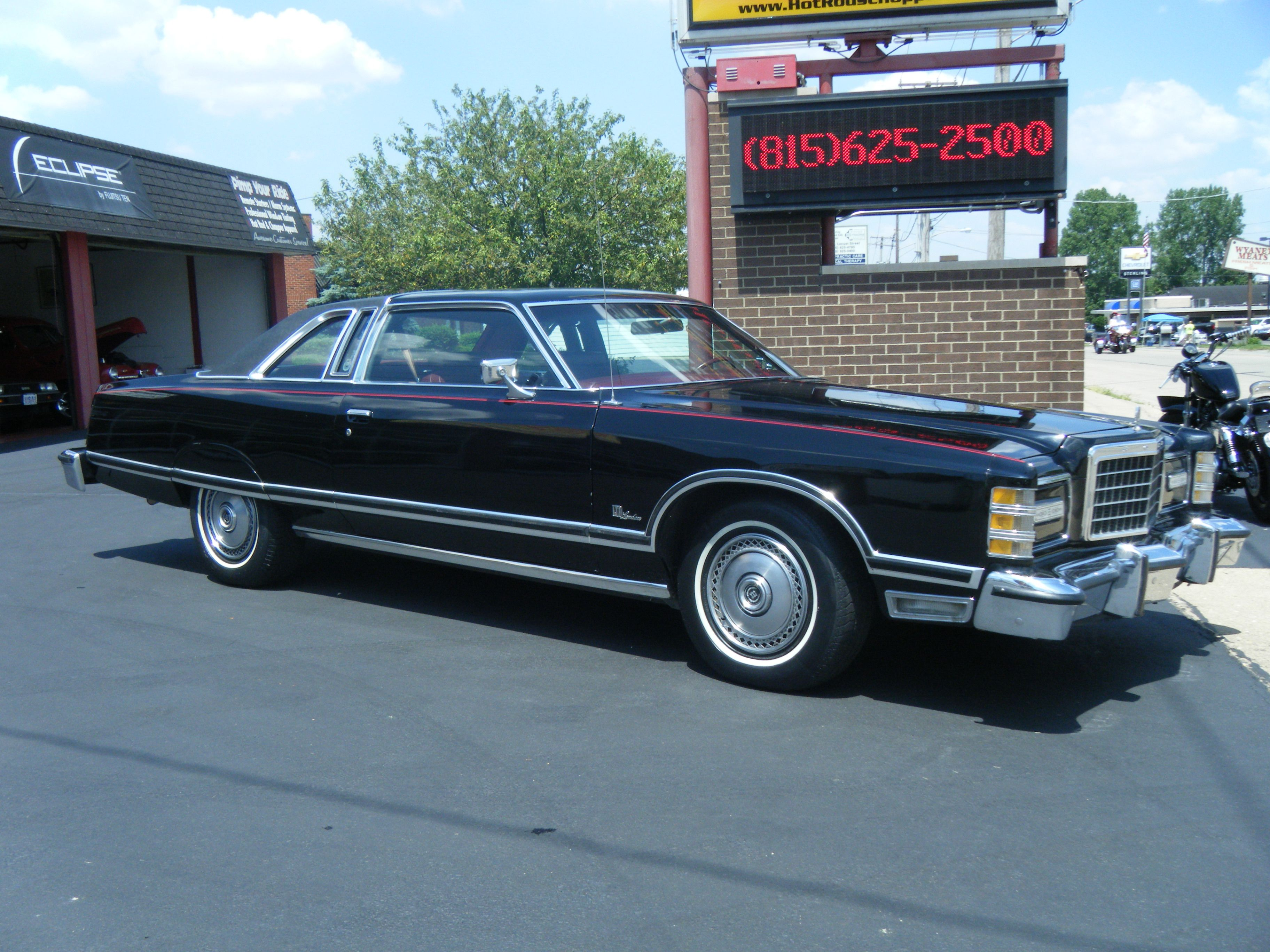 The 1977 Ltd Landau Sold 44 396 Units And Cost 5 717 Brand New