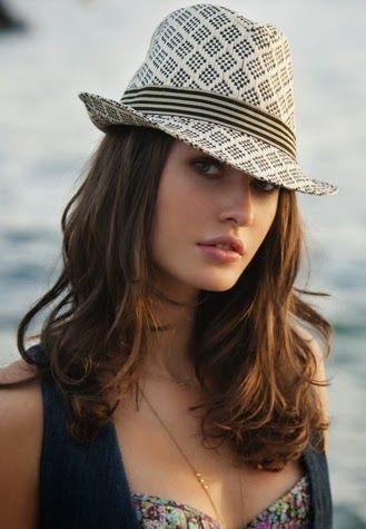 Pequeños sombreros para taparte del sol da71b2abfad