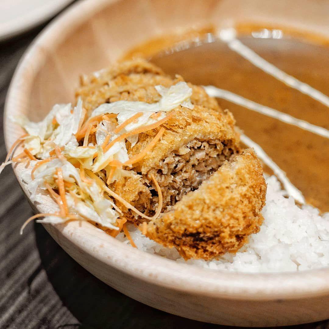 One Of The Best Curry In Town Cabangnya Ada Di Papaya Swalayan Barat Dan Timur Ya Gengz Selain Curry Kemarin Aku Pesen Fillet Katsu Don Juga Hrgnya Food Bread