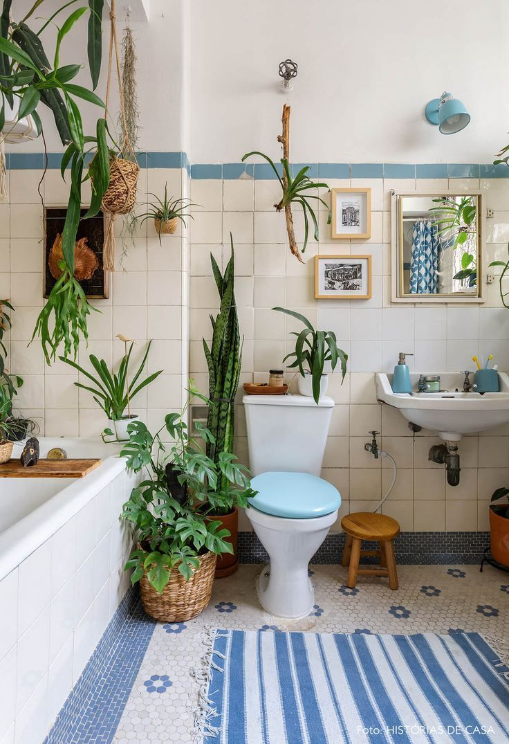 Photo of #houseplants #reliktjager vintage bathroom with hexagonal floor tiles #h …