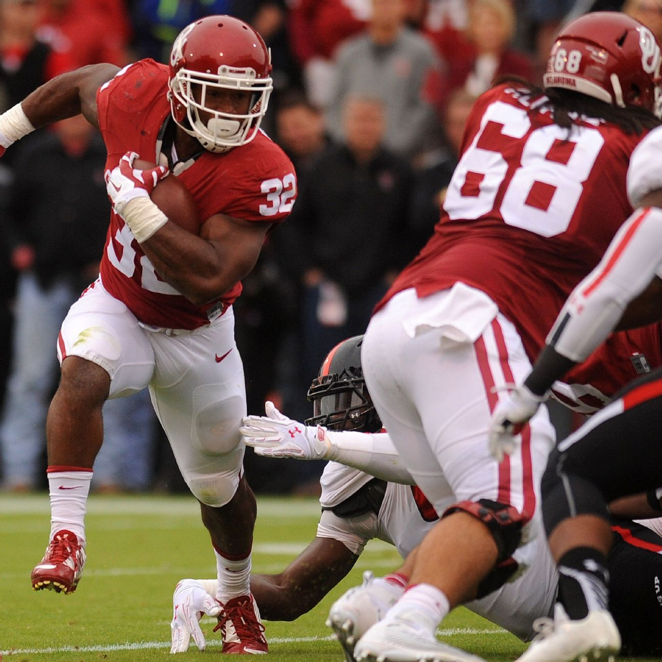 Samaje Perine, Joe Mixon power OU to blowout win over