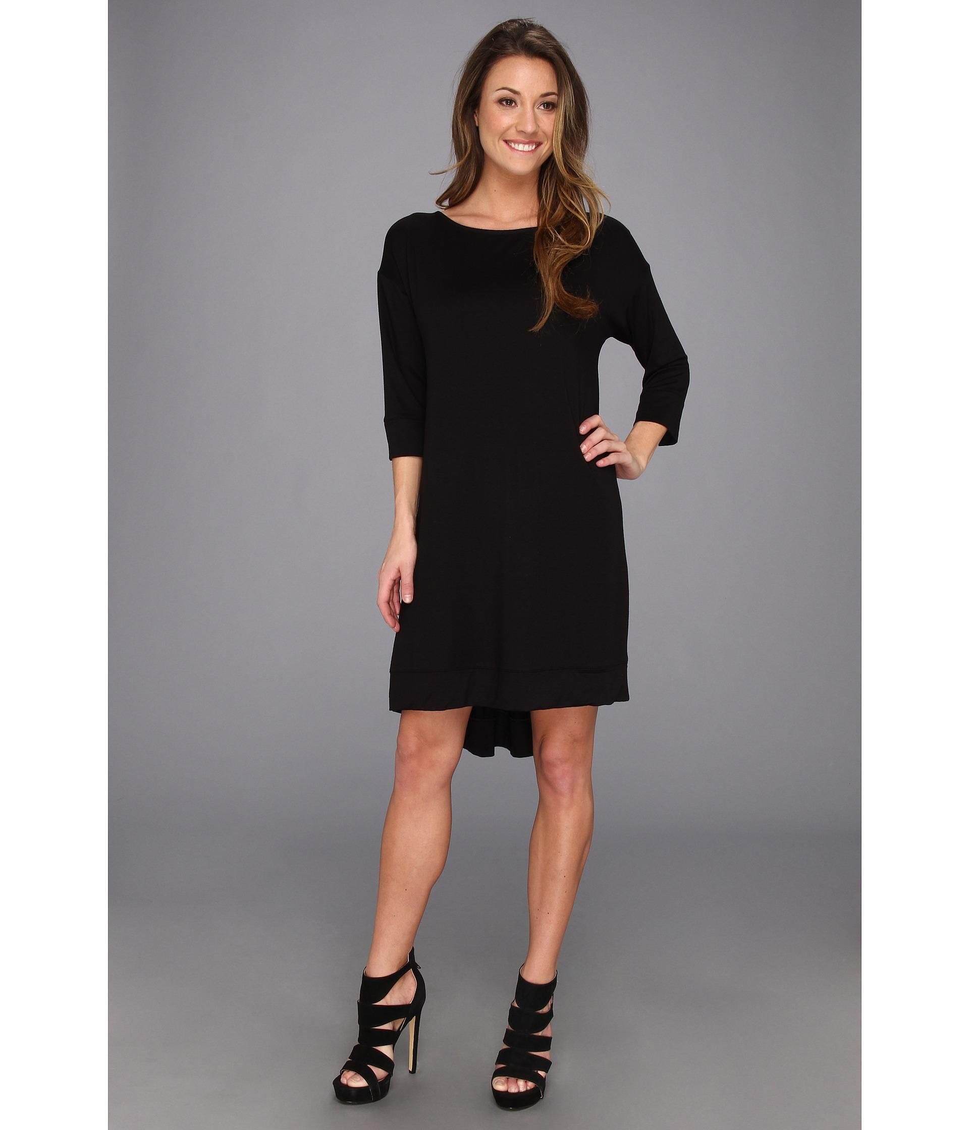 Achieve your lustrous look in this contemporary three dots dress