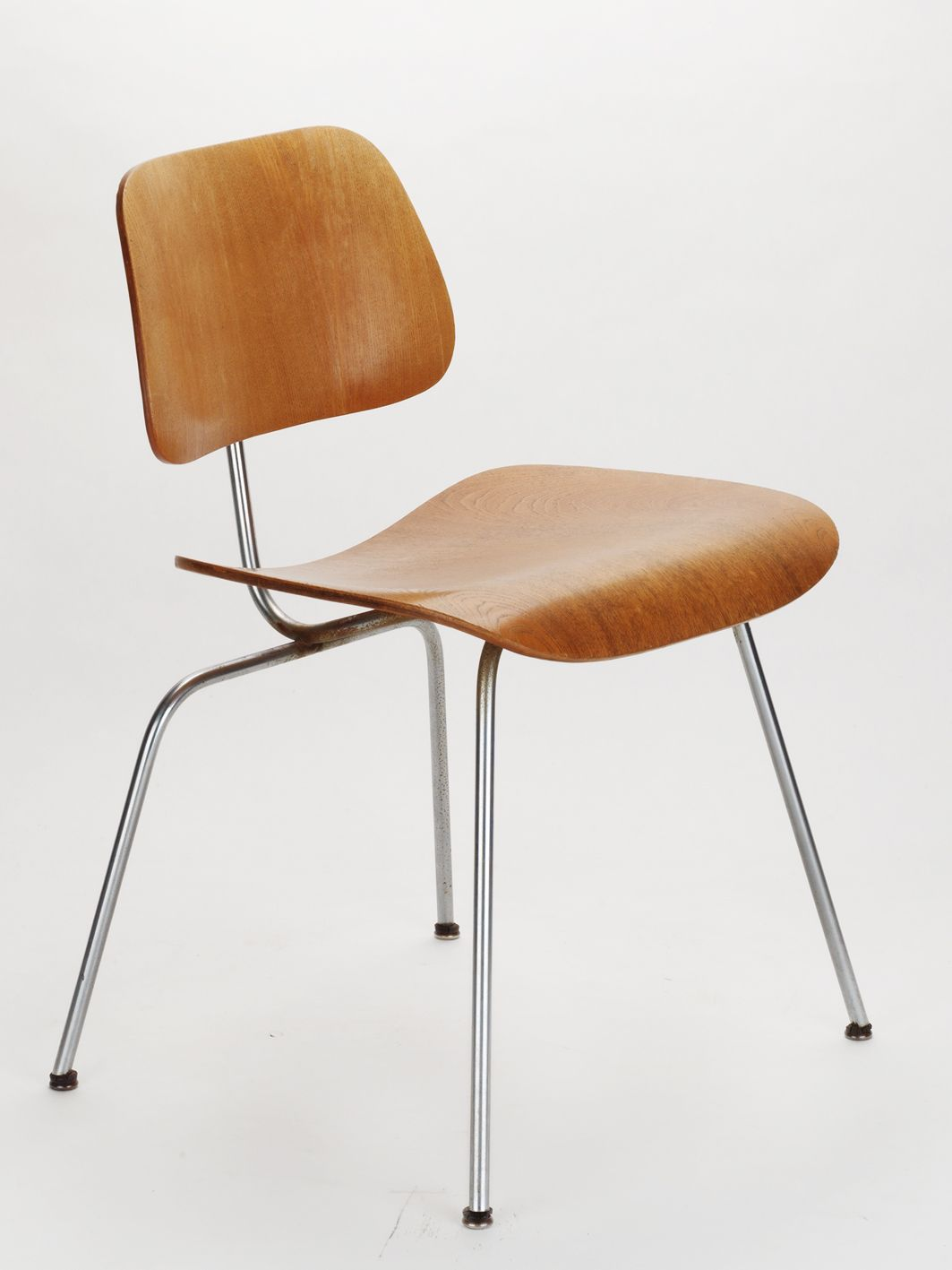 eames dining chair history. charles \u0026 ray eames, dcm dining chair metal (1946) eames history