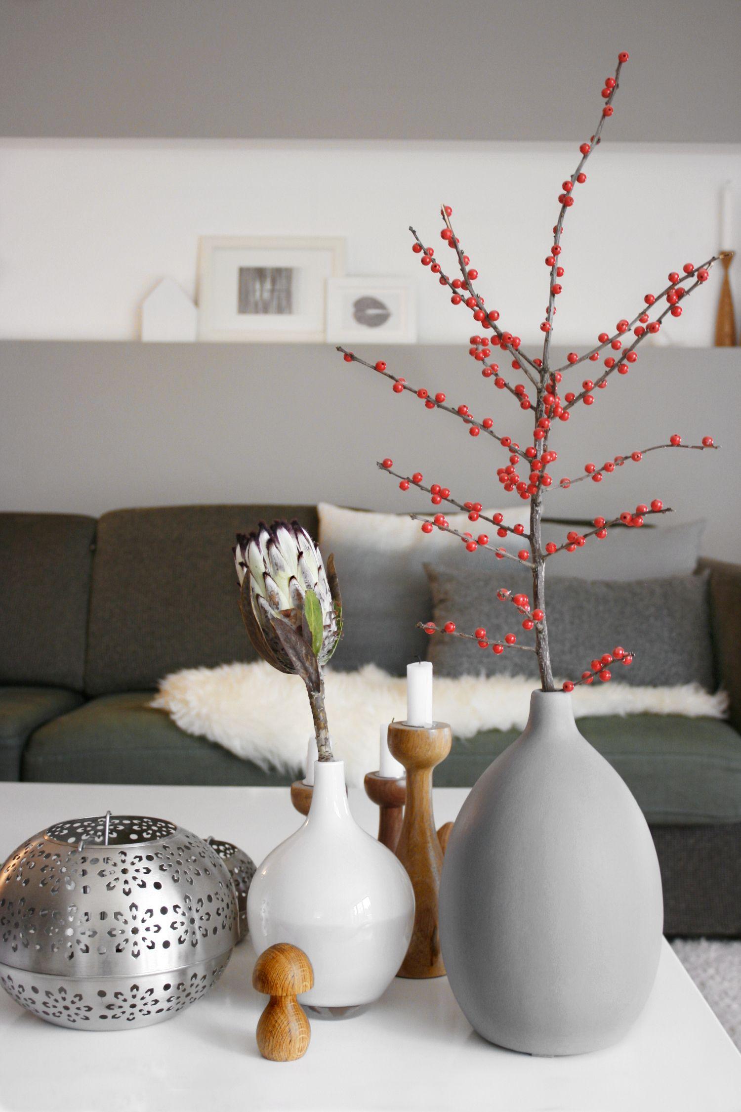 der unechte beerenzweig | trends, schmuck und outfit - Deko Wohnzimmer Vasen