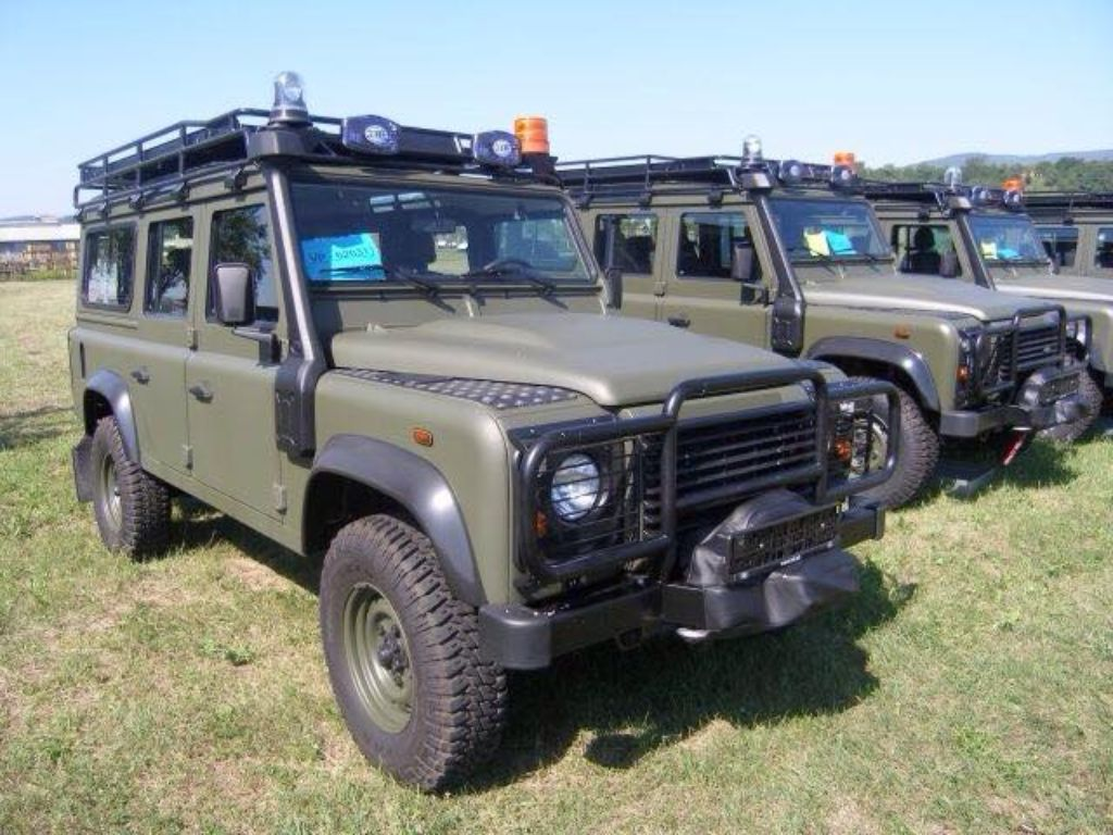 jbk army land rover defender 110 defenders county and. Black Bedroom Furniture Sets. Home Design Ideas