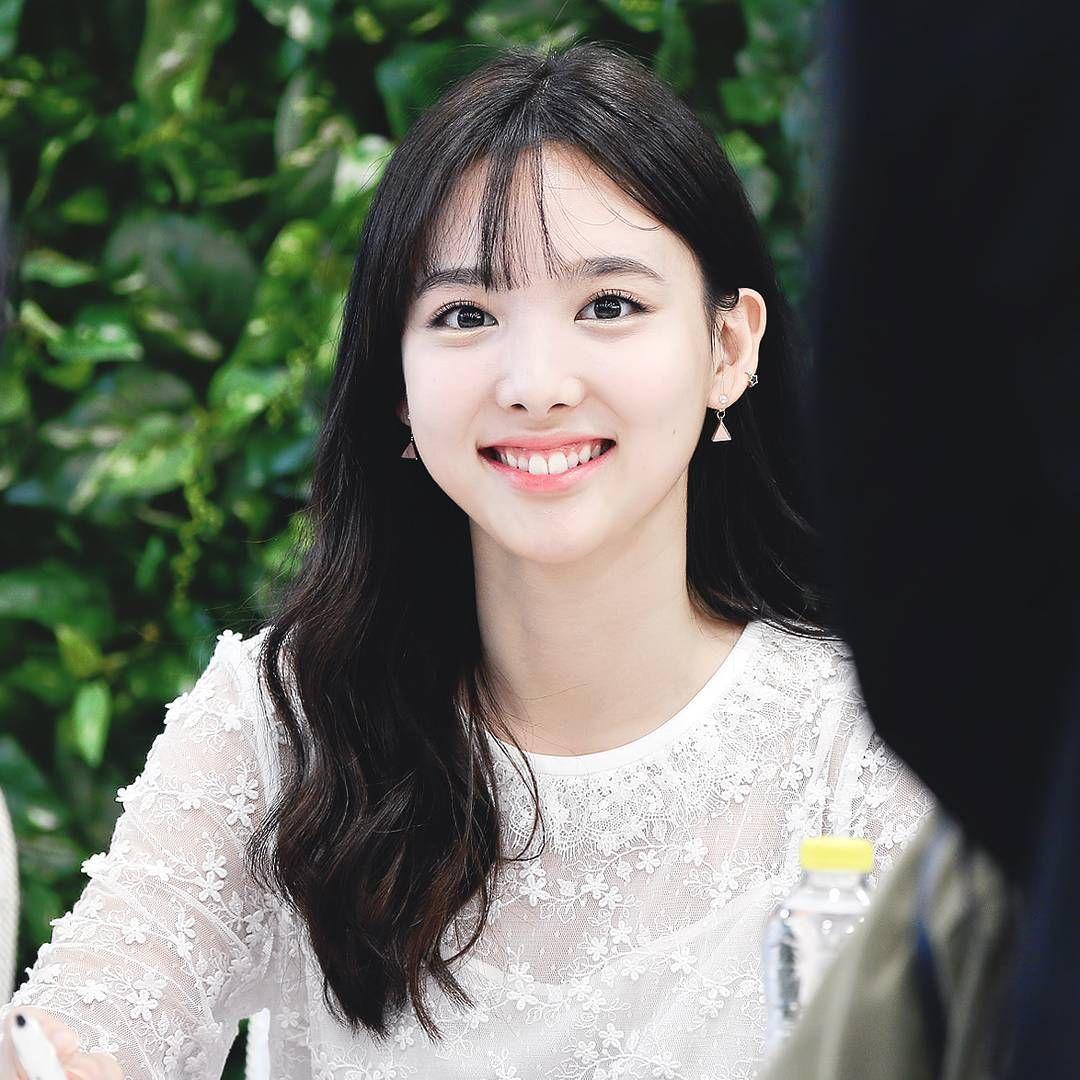 Nayeon has a smile that will make anyone fall in love  #Nayeon #나연 #TWICE #트와이스 @twicetagram