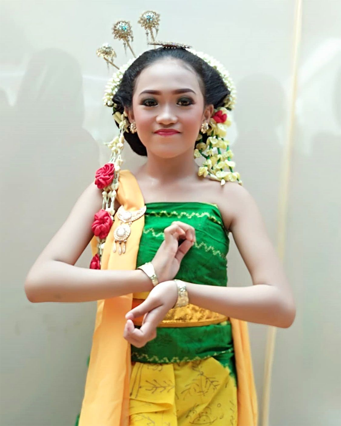 Tarian Gambyong Jawa Tengah : tarian, gambyong, tengah, Javanese, Dancer, Performing,