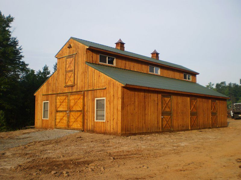 Pole barns with living quarters horse barns with living for Small barn designs