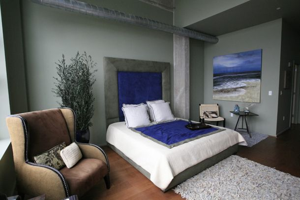 gray bedroom with royal blue accents (Pantone, Royal Blue ...
