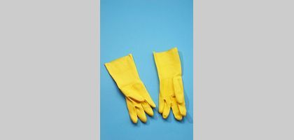 Use rubber gloves to protect your hands when using ammonia.