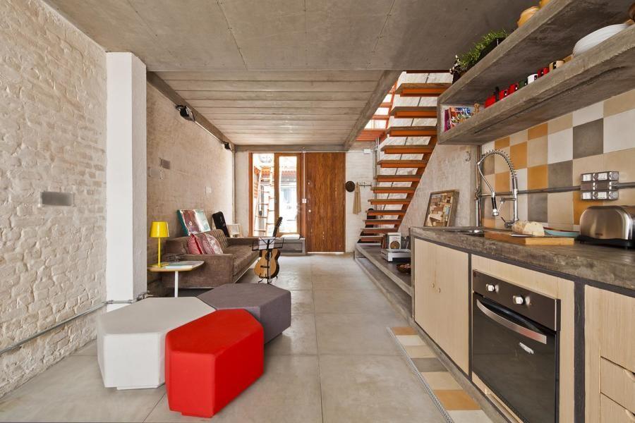 Nos dias de hoje, a cozinha ganhou destaque dentro de casa e uní-la com outros ambientes tornou-se usual. Dessa forma, as cozinhas integradas garantem um espaço mais amplo e sem barreiras, além de ser uma solução que proporciona o...