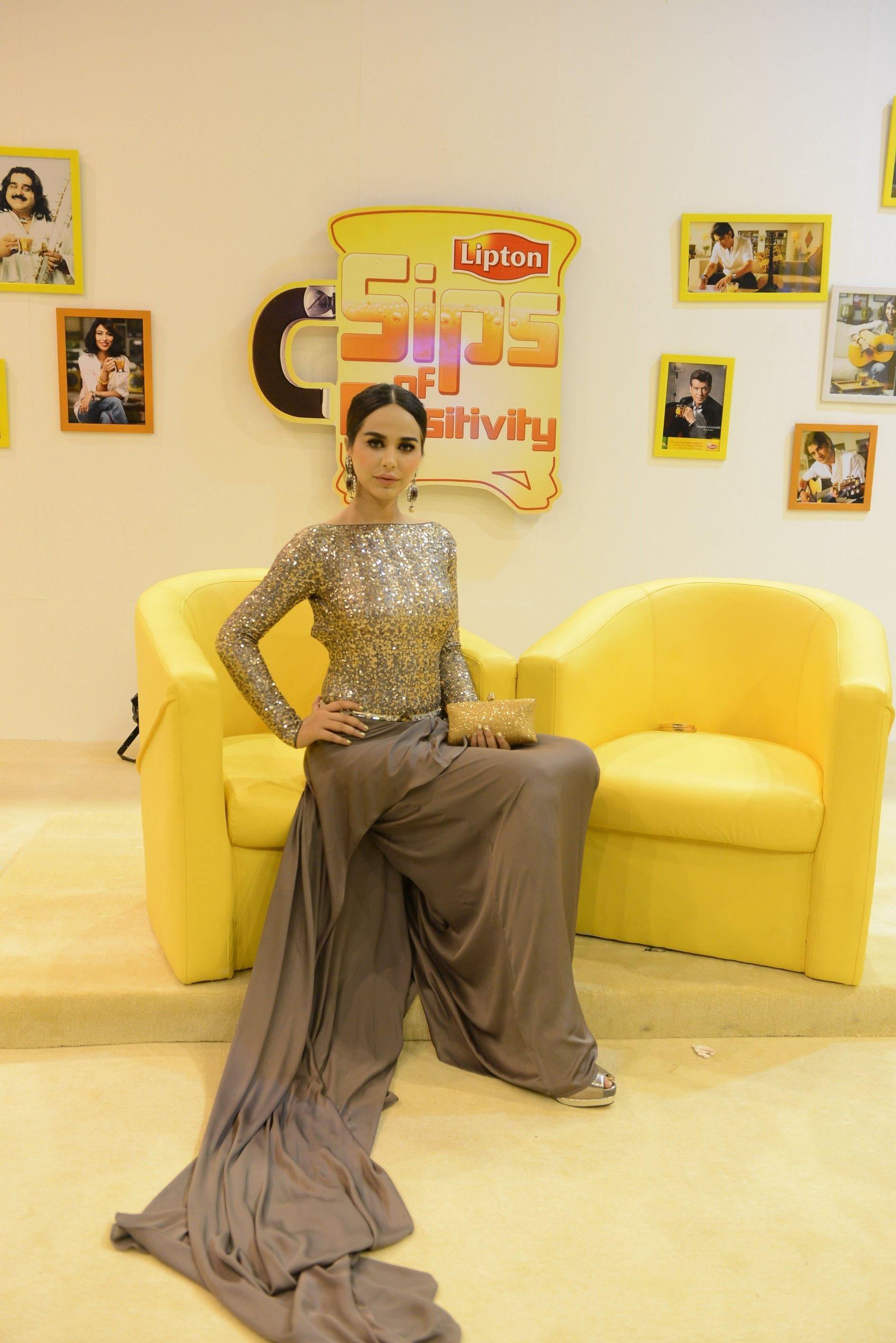 Ayyan ali bridal jeweller photo shoot design 2013 for women - Ayyan Ali Love The Dress