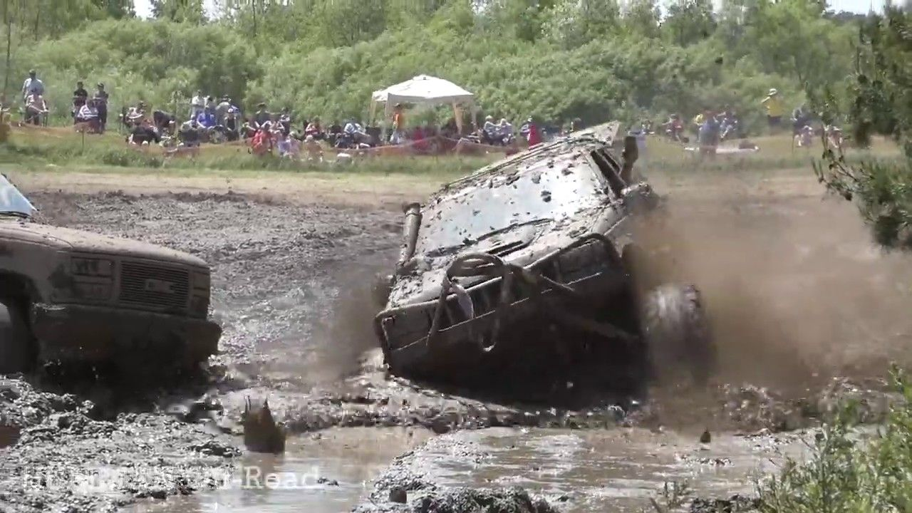 Lifted Jeep Cherokee 4x4 Offroad Mudding at Melbourne Mud