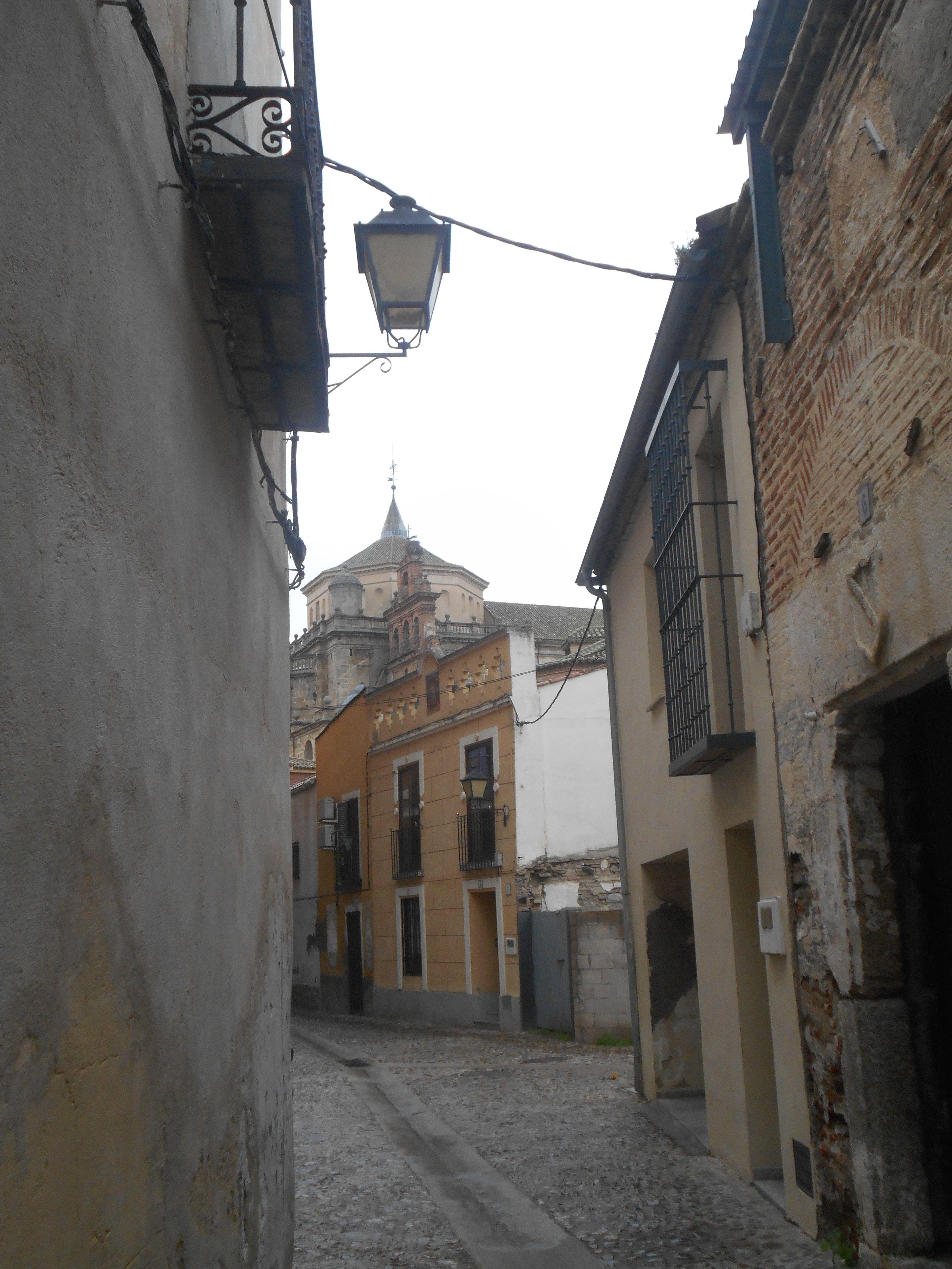 San Prudencio desde el casco antiguo.