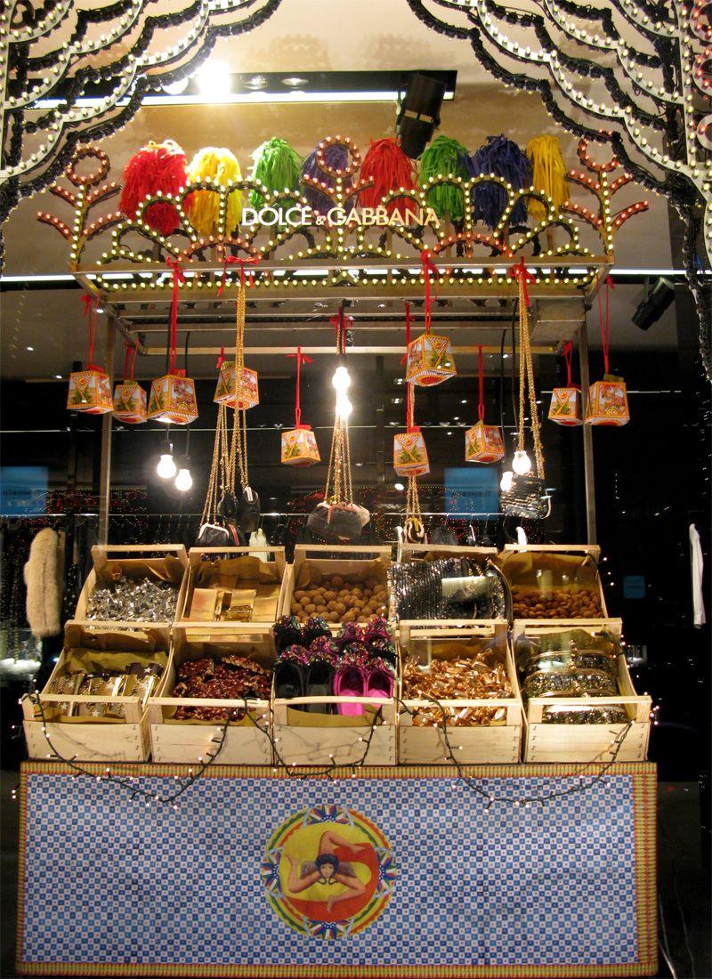 Dolce & Gabbana Christmas market, pinned by Ton van der Veer