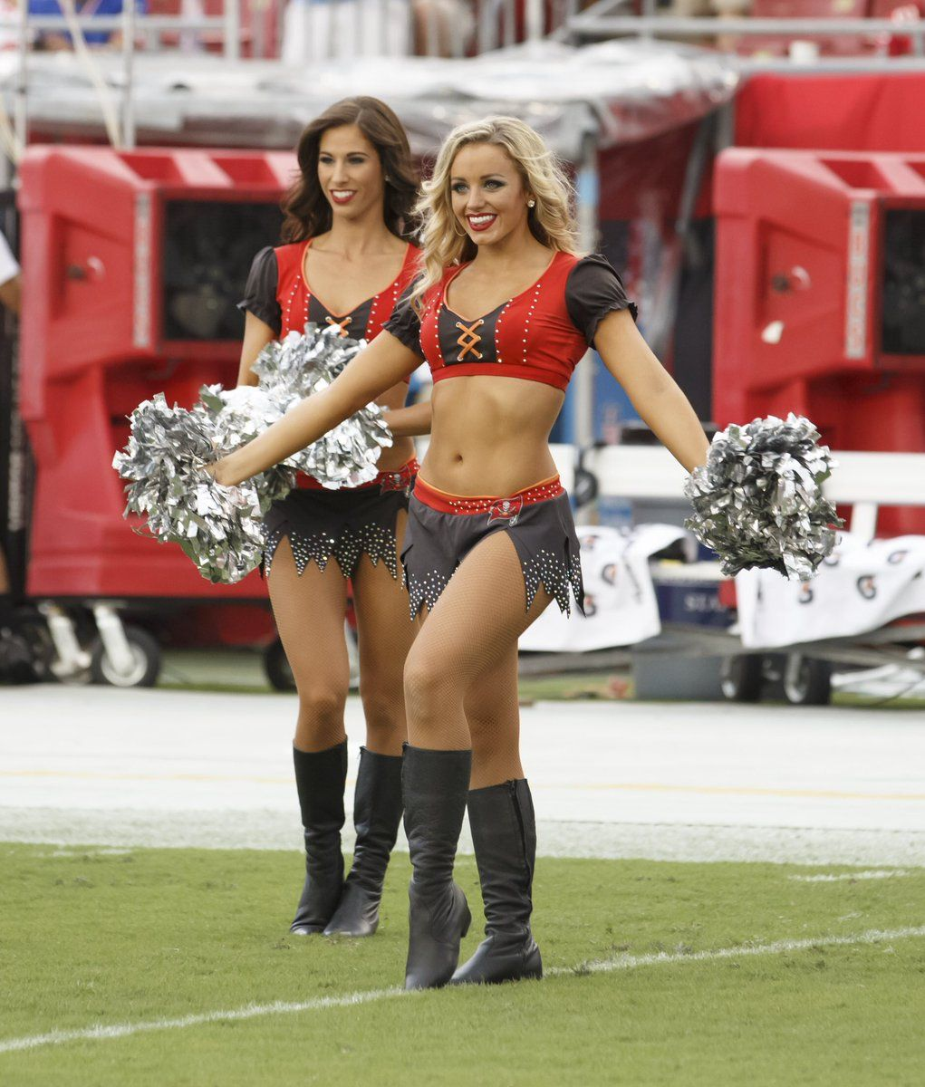 classic fit 3985e 1c4bf Bucs Cheerleaders on | Tampa Bay Buccaneers Cheerleaders ...